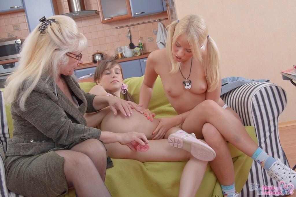claire adams noname jane schwanger – Lesbian