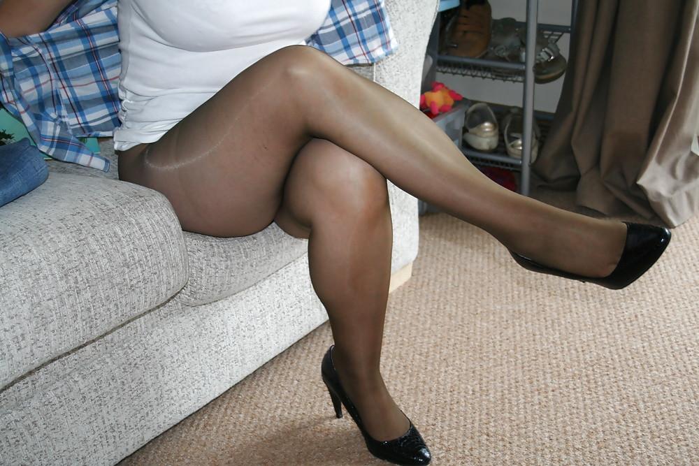 Reife frauen nackt in high heels