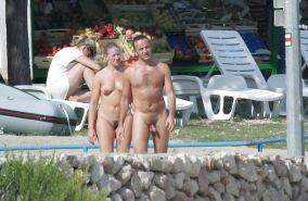 Paare am fkk strand nackte Teen FKK