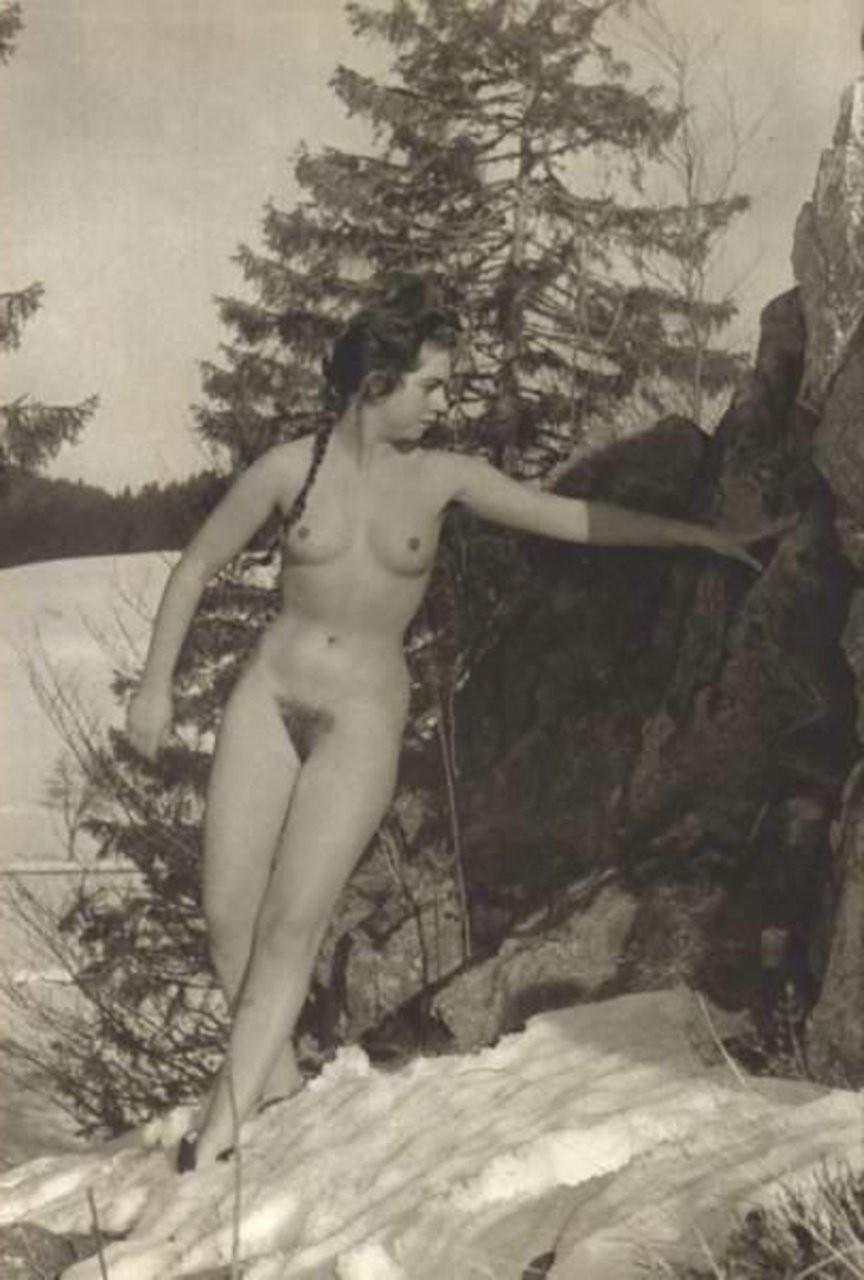 reife cougar blinkt im freien – Erotic