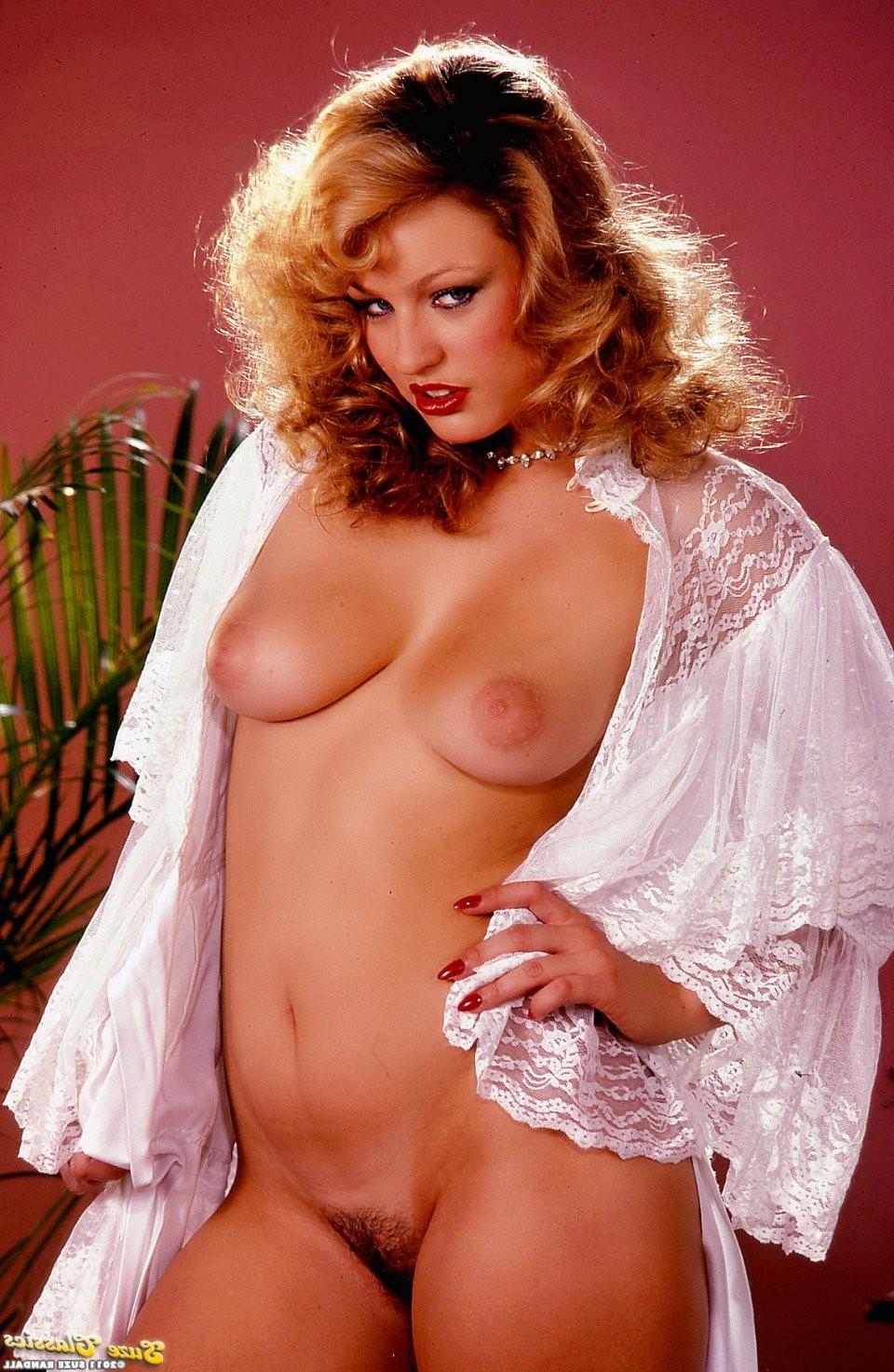 blonde milfs tank top brüste – BDSM