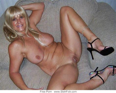 Frauen 50 nackte Schöne behaarte