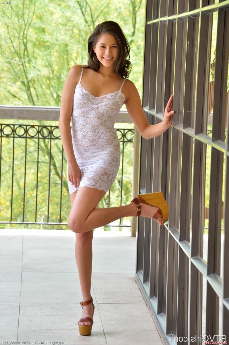singapur models nackt bilder – BDSM