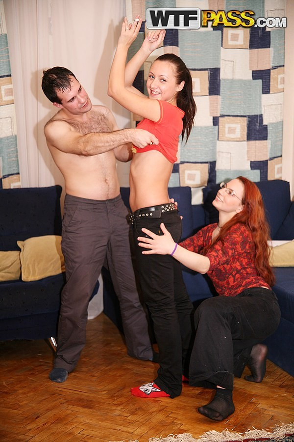 cums, während deepthroating hahn – Other