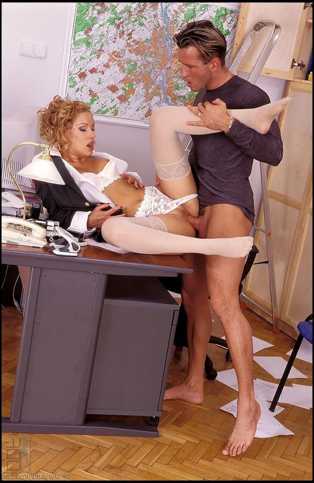 spank bare bottom umfrage – BDSM