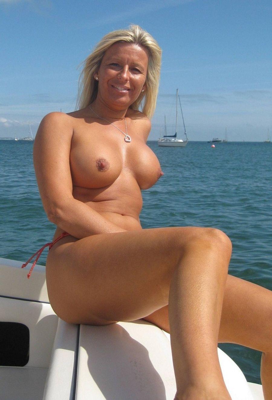 Frau nackt reife Nackte Reife