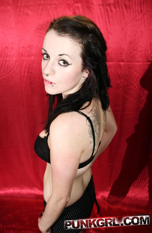 nackt miley cyrus haarschnitt – Lesbian