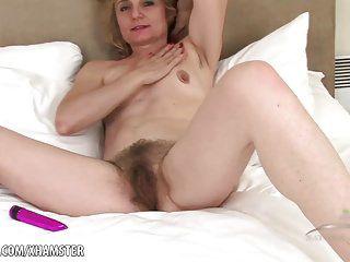 Frauen nackt ab 45